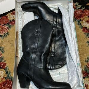 Jessica Simpson daisy heeled boots